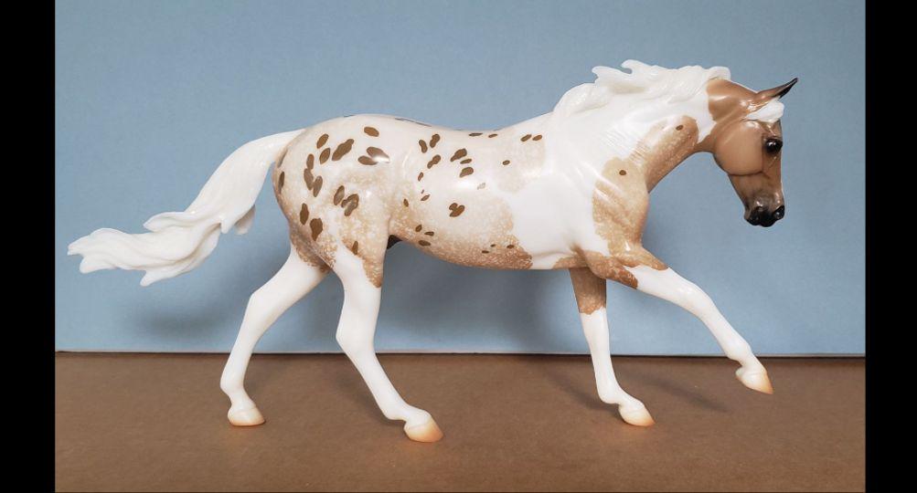 Breyer 7 Arts Surprise Matte Pintaloosa #711400